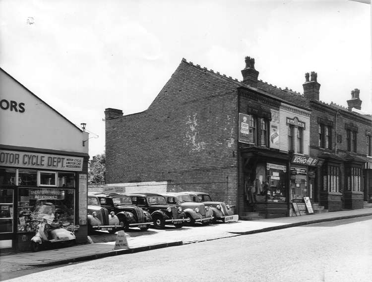 Broad Meadow Motors, 1726 Pershore Road. 1958. Now a couple of houses next to the Murco (formerly Jet) garage.