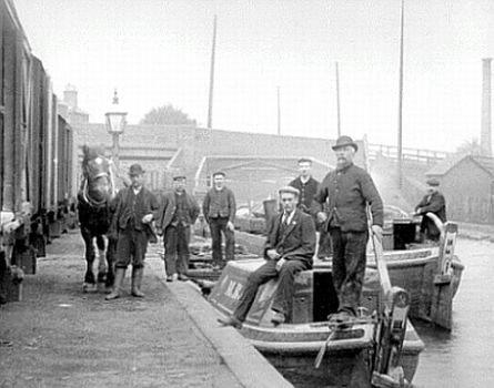 The Birmingham and Worcester Canal, at Lifford Lane / Pershore Road Bridge; about 1900